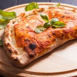 """""""Кальцоне"""" – закрытая пицца"""